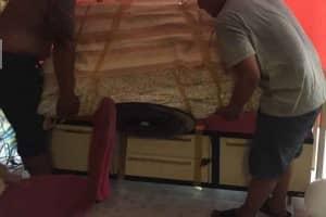 バンコク・タイ王国内で引っ越しのトラブルと対策1 テープが剥がれない!