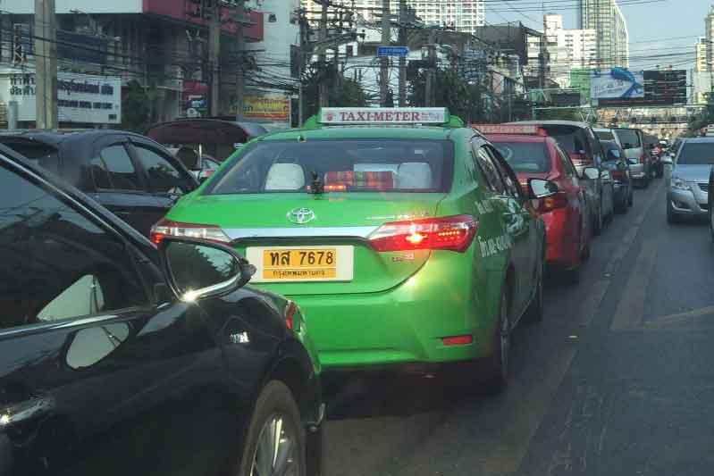 タクシー渋滞