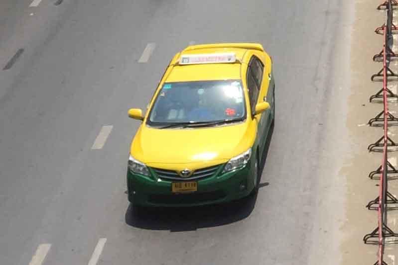 バンコク黄と緑タクシー