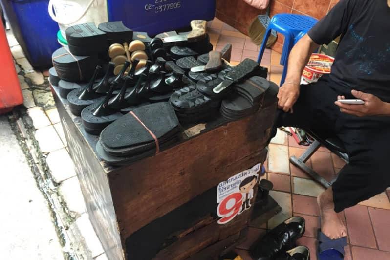 シーロム革靴の修理屋の腕とスピード価格・やる気はないが腕は良い?!