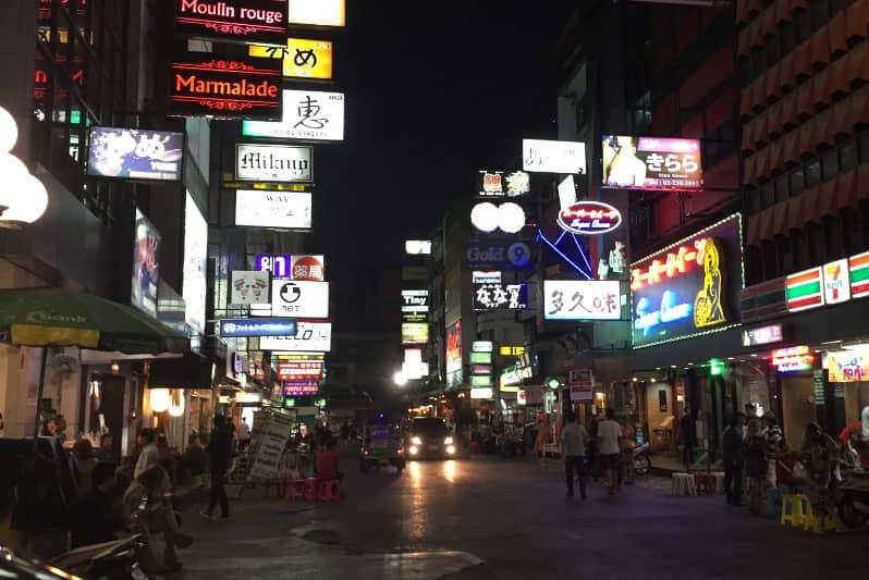 バンコクカラオケ店(タニヤ・スクンビット)飲み放題料金価格システム