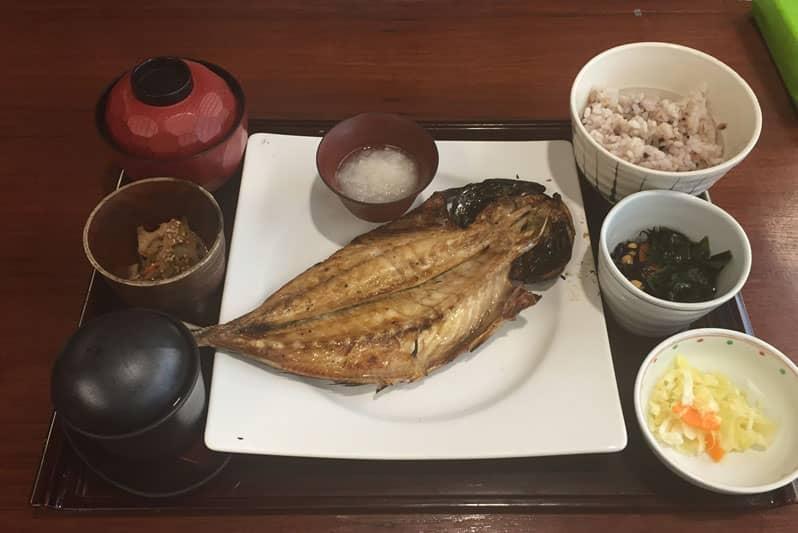 タイ大戸屋タニヤ店の和食メニューと営業時間・弁当デリバリー情報