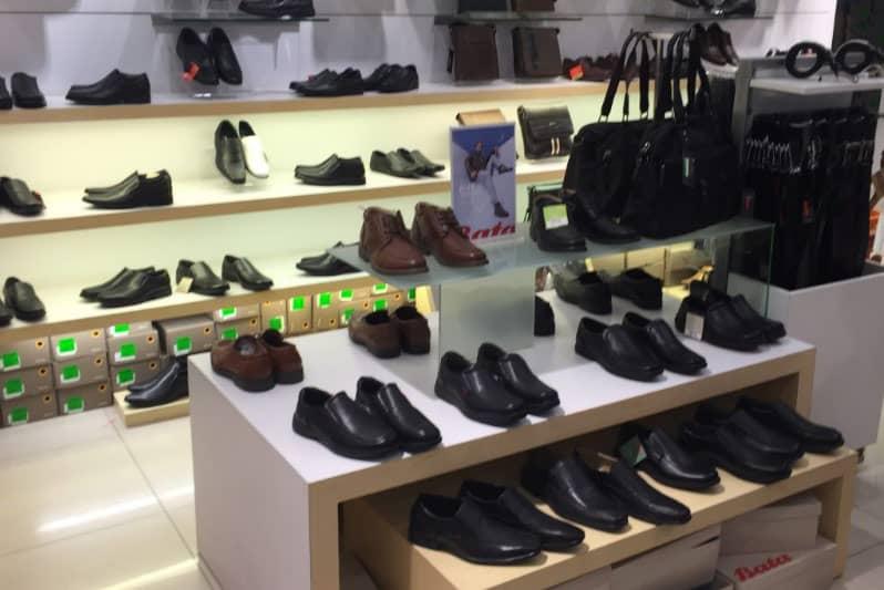 タイ・バンコクで安いビジネスシューズや革靴を売っている靴屋Bata