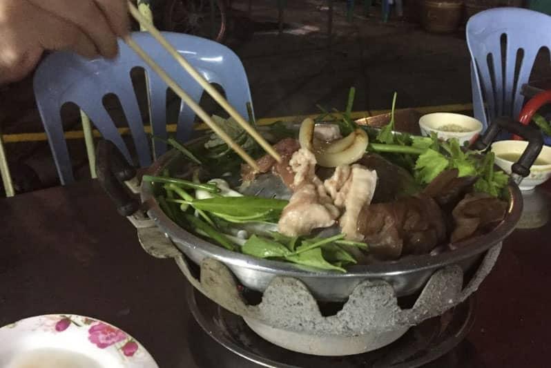 タニヤパッポンの穴場・タイ式焼肉ムーガタ激安食べ放題のおすすめ店