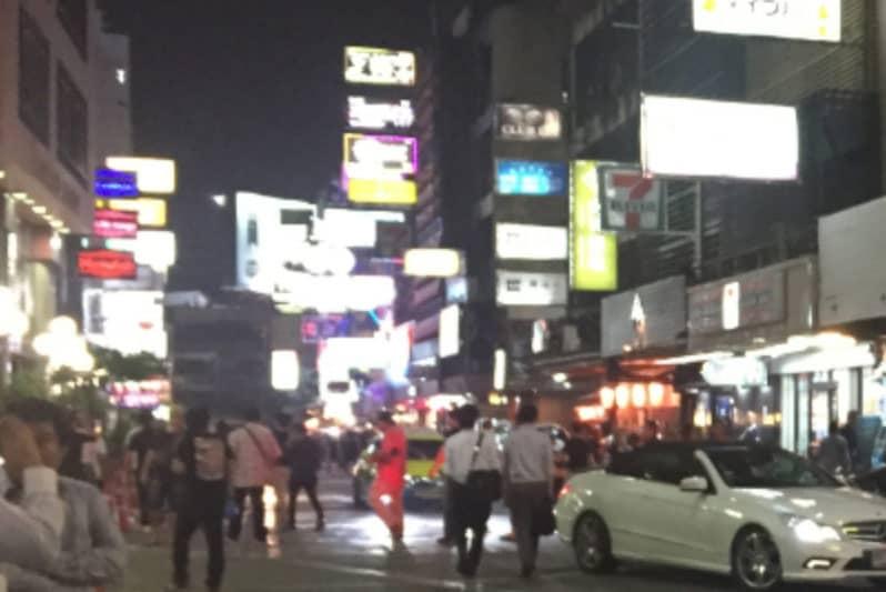 タニヤカラオケ店と夜遊びバンコク観光情報・タイ国王死去での影響