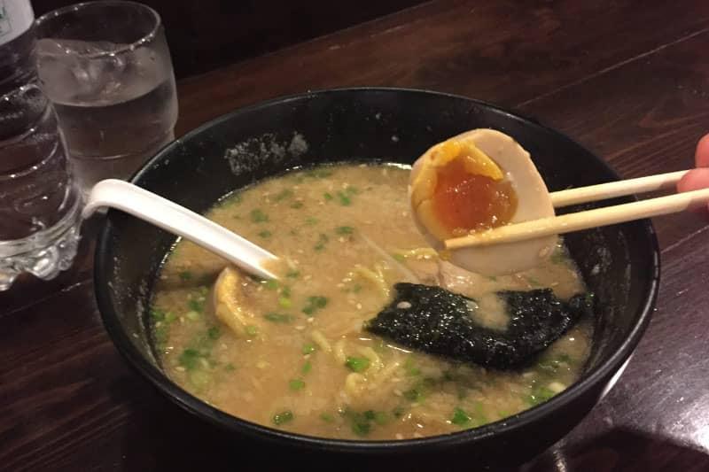 ラーメンがんてつ・バンコクタニヤでおすすめ札幌豚骨味噌味で人気店