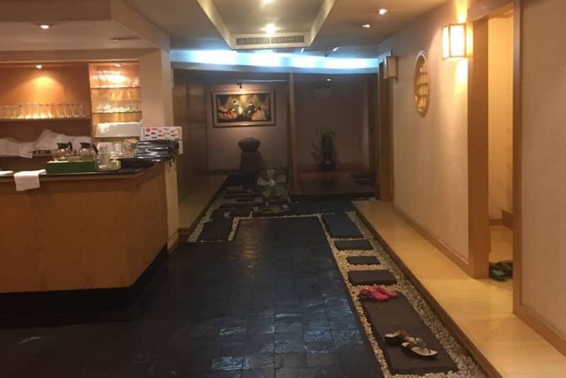 タニヤ和食・居酒屋「江戸屋」高級座敷もあるが一人でも入れる気軽さと値段