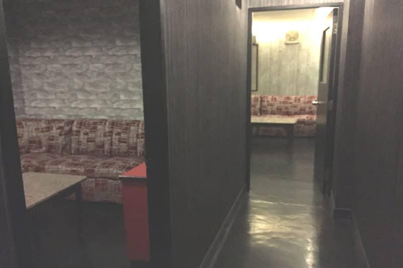 シーロムタニヤ・バー・マッサージ・事務所・貸倉庫向き格安居抜き物件
