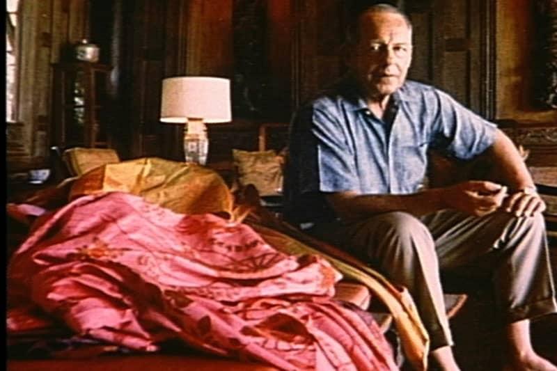 ジムトンプソン。建築家からスパイになり、そしてシルクの実業家へ転身したのち行方不明、というミステリアスな人物。
