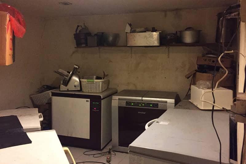 キムチ専用冷蔵庫のおいてある部屋。