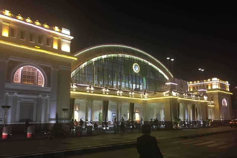 伝統あるクルンテープ駅。
