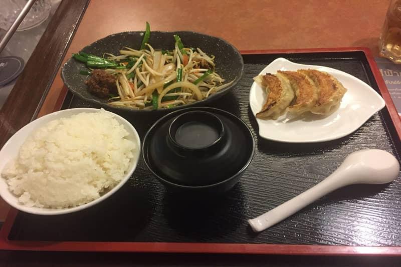タニヤおすすめタイ料理屋シーファーで大阪王将の餃子を食す裏技?