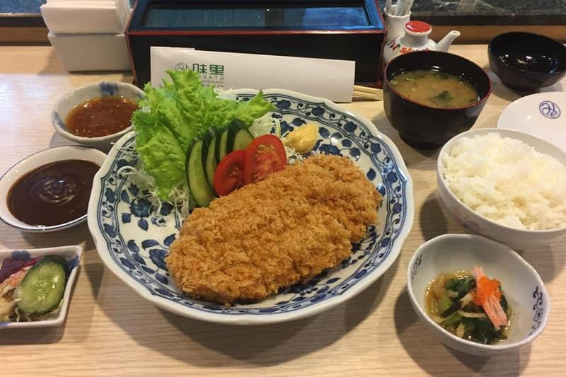 タニヤ味里・「SPF」豚肉使用トンカツと天ぷらが絶品の和食居酒屋