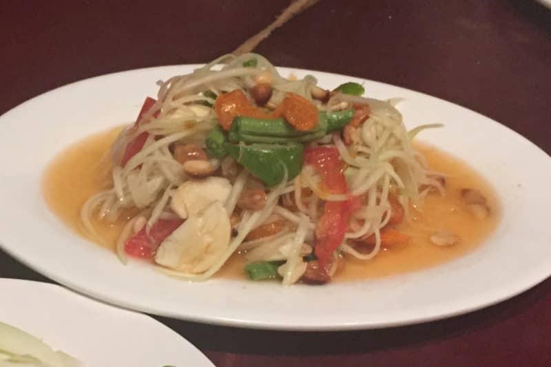 タニヤ・スリウォンカフェは定番タイ料理がある雰囲気良いレストラン