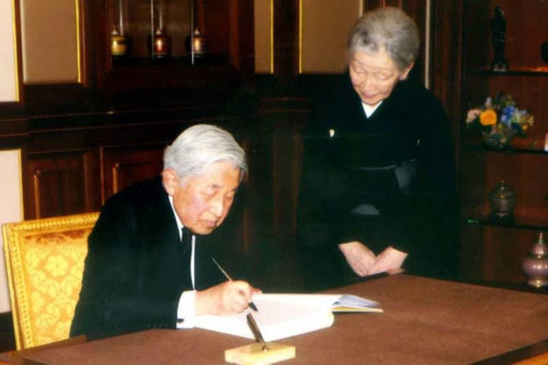 天皇皇后両陛下タイ訪問し前国王を弔問・交流の歴史とタイ人の反応