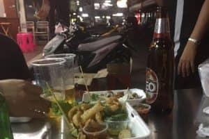 シーロムAfter Hoursオープンカフェ・ハンバーガーからステーキまで