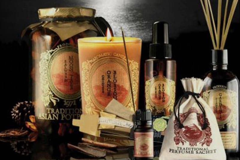 タイおみやげの石鹸やお香「カルマカメット」の香料工房のようなカフェ