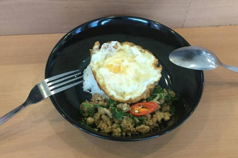タニヤMOOMGAPAOムームガパオで味わうタイ地元料理の味と料金