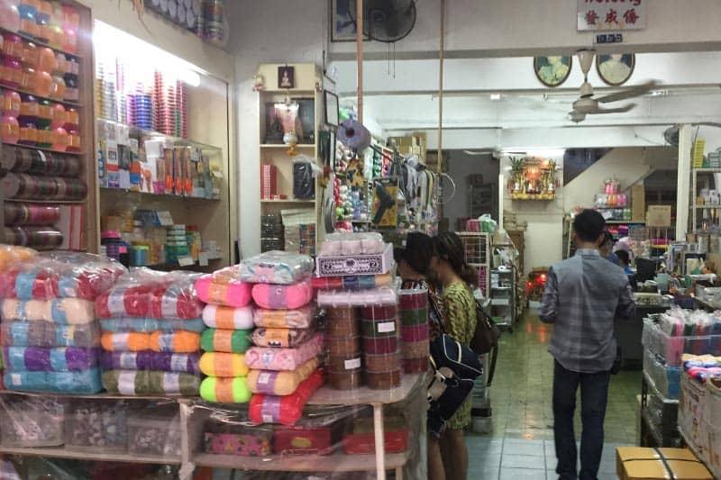 サンペンレーン市場はバンコクの卸し問屋街・布や雑貨おもちゃなど格安