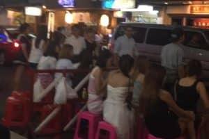 海外タイバンコクのサロン美容師☆ネイリスト求人募集情報