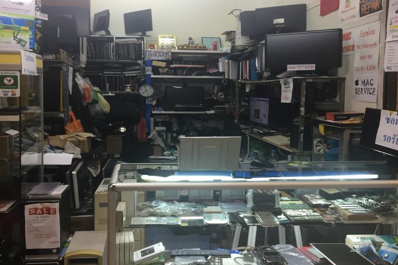 バンコク電脳街パンティップで中古PCにウィンドウズOS入れてみた