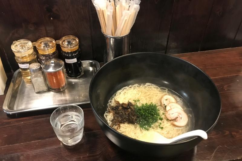 バンコク・タニヤ裏「麺処かずき」特大どんぶりで食べるラーメンの感想