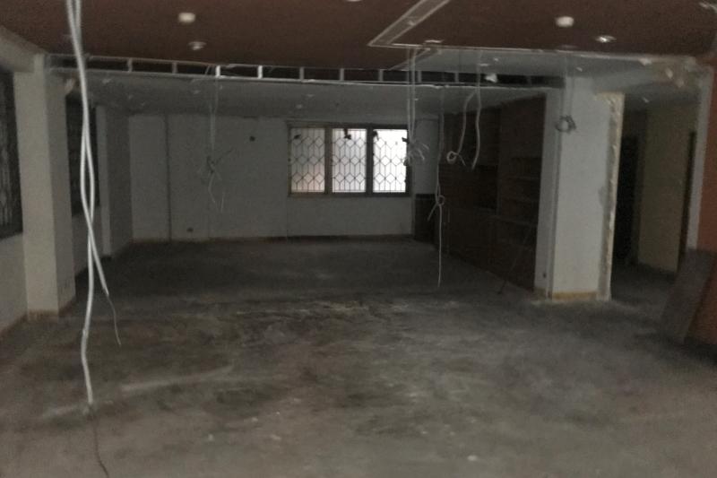 シーロム・オフィス倉庫物件・タニヤパッポン1分・ビルごと売却も可