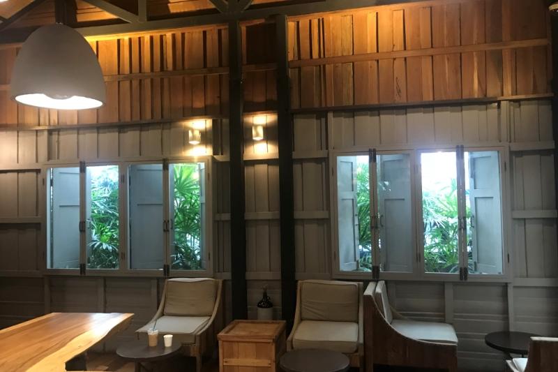 バンコクおすすめスターバックス店舗・ランスワン通りの一軒家カフェ