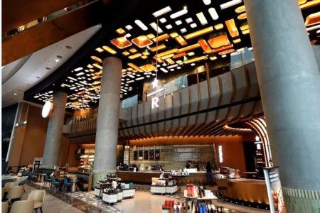 アイコンサイアムのスターバックス新店はタイ最大の面積と夜景が魅力